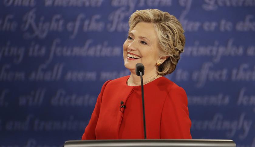 clinton sorride dibattito usa