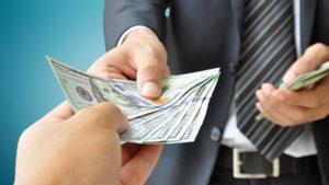 chiedere soldi al cliente